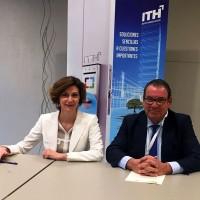 La secretaria de Estado de Turismo, Isabel Oliver, y el Presidente de ITH y CEHAT, Juan Molas, firman el convenio para el Modelo ITH de Sostenibilidad