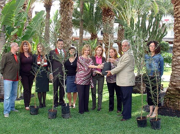 Los hoteles sostenibles de ASOLAN dan la bienvenida a la primavera plantando árboles