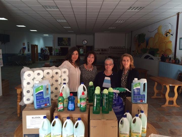 El Grupo de Alojamientos Sostenibles entregó productos de limpieza e higiene personal a Calor y Café