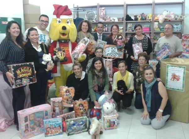 Asolan dona a Cáritas más de 500 juguetes para familias de Lanzarote sin recursos