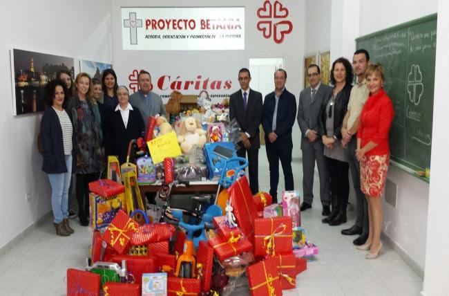 """La """"III Campaña Navideña de Recogida de Juguetes"""" suma más de 600 regalos"""