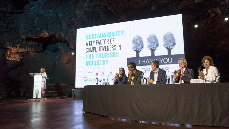 """La """"Cumbre de Lanzarote"""" establece los principios para una Industria Turística Sostenible"""